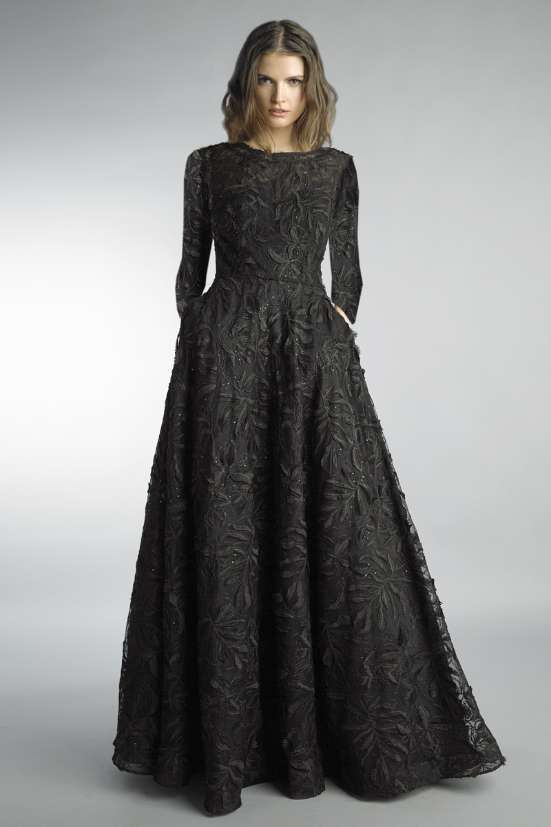 D1203LR | Basix black label seamsless embroidered long sleeve gown |