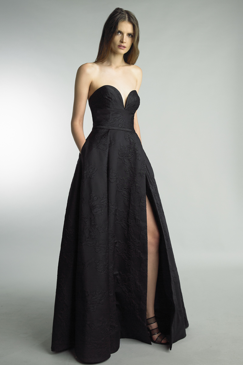 D9020L | basix black label off strapless sweethear ballgown |