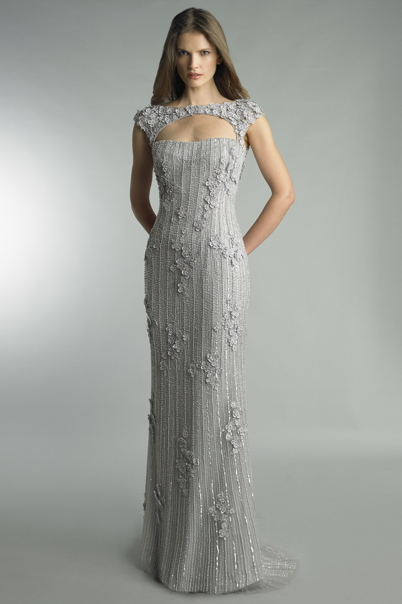 D9211L | Basix sleeveless gown with open front |