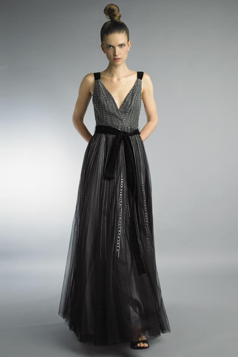 D9554L | Basix Black Label Wrap Gown |